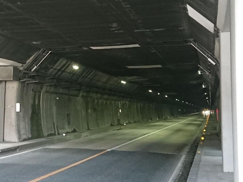 夜昼 トンネル 事故